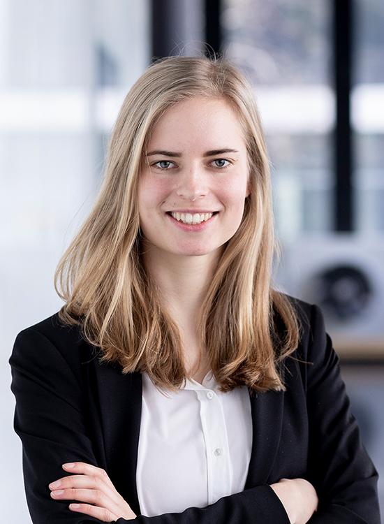 LAURA KUTSCHMANN